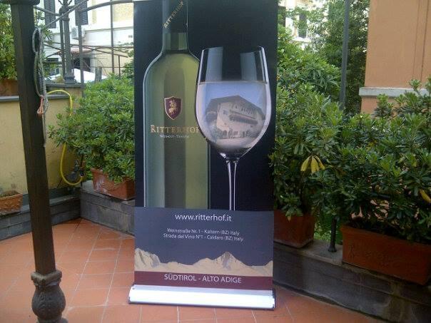 Photo of L'azienda vitivinicola Ritterhof presenta la sua nuova linea vini e distillati