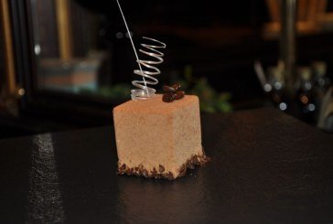 Mousse al caffè con gelatina all'anice stellato