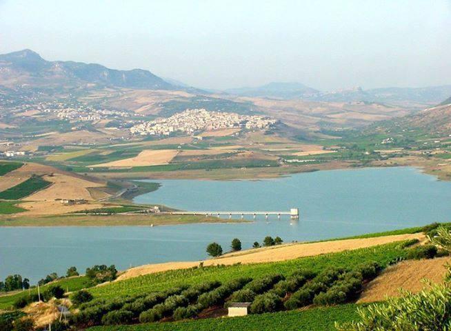 Photo of Sulle sponde del lago Arancio, fra cultura e buona tavola