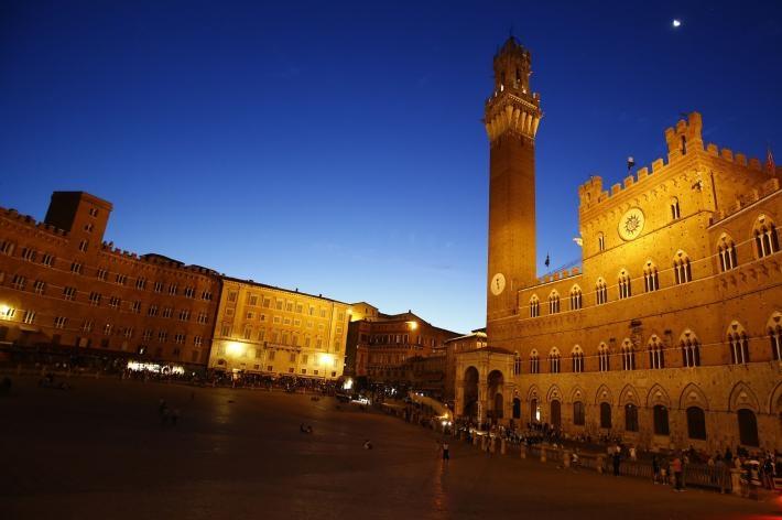 Photo of A Siena, Calici di Stelle con Enoteca Italiana