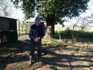 Antonio Longanesi sotto la quercia
