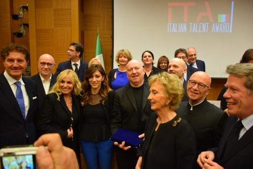 Photo of Davide Oltolini tra premiati a Italian Talent