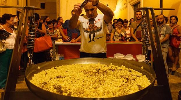 """In agosto vacanze in Puglia? """"Orecchiette nelle 'nchiosce"""" di Grottaglie"""
