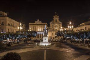 Teatro comunale Vittoria Colonna e chiesa delle Grazie