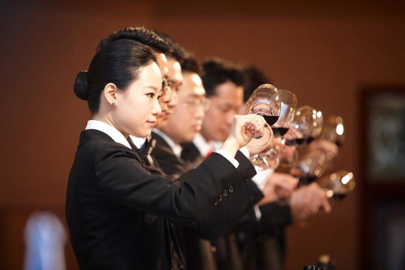 Photo of Identikit del consumatore cinese, come guarda al vino Italiano e le nostre performance Asiatiche