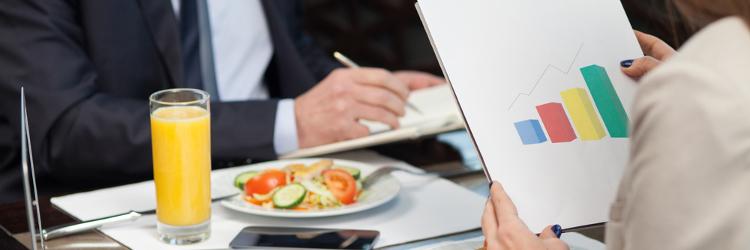 servizio di incontri solo il pranzo confronto di appuntamenti assoluti e relativi