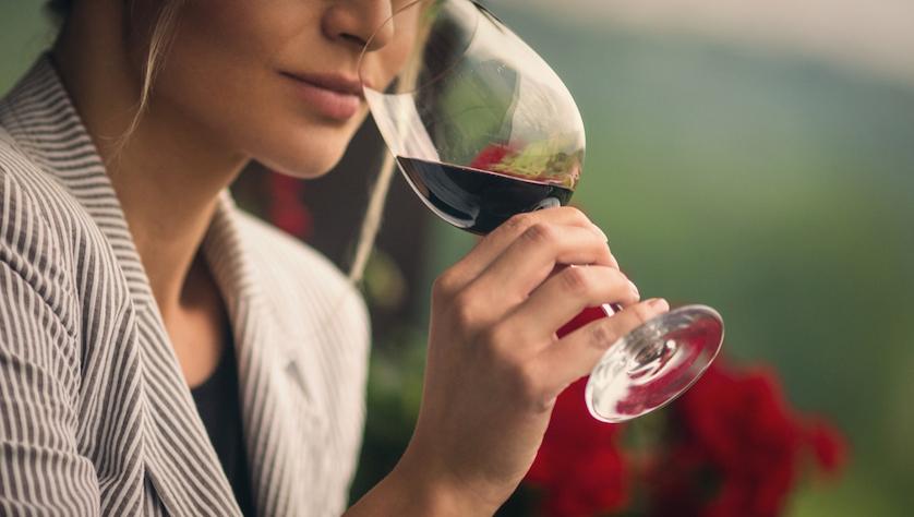 Photo of Alle donne piace di più quando il vino è sostenibile e di piccole produzioni