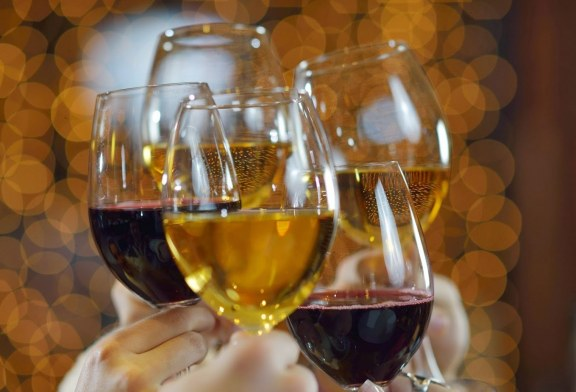 Un bicchiere per ogni vino e la festa continua