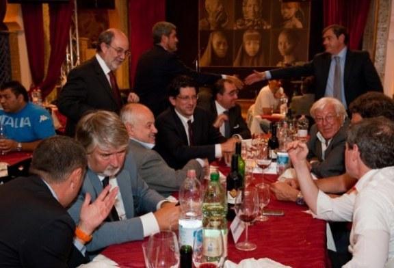 Il Galateo in tavola: non si parla di politica quando si mangia