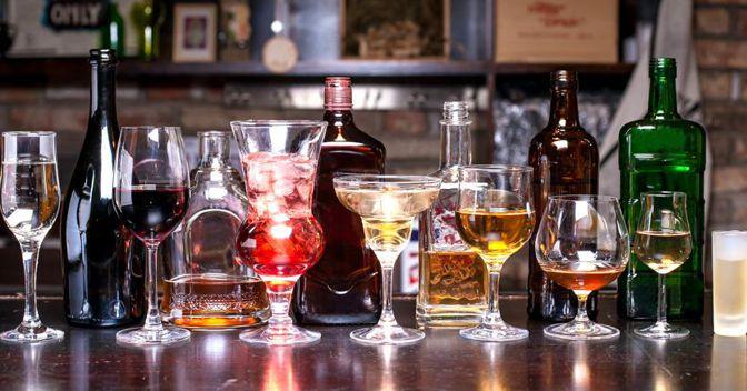 """Si beve di meno ma si esporta di più: gli """"spiriti"""" tra mercato estero e consumo interno"""