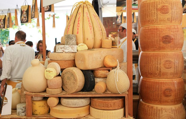 Photo of Tredicesima edizione di Cheese a Bra, un viaggio nel naturale con Slow Food