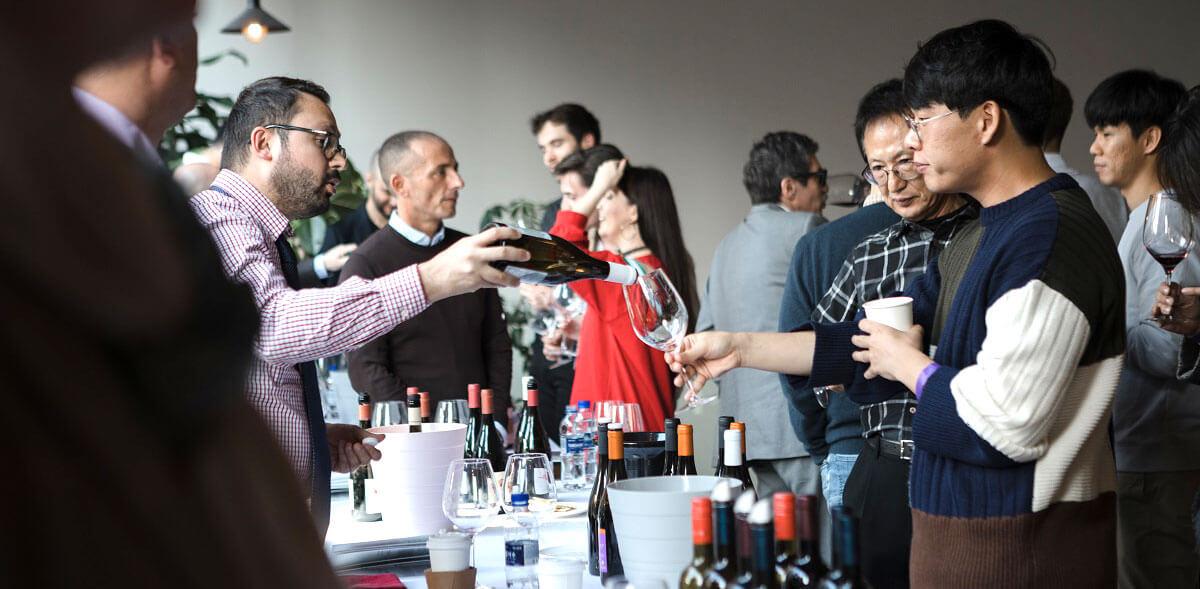 Il momento controverso del vino italiano