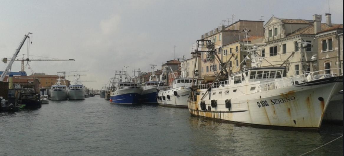 Il Governo italiano affonda nella burocrazia i pescatori italiani