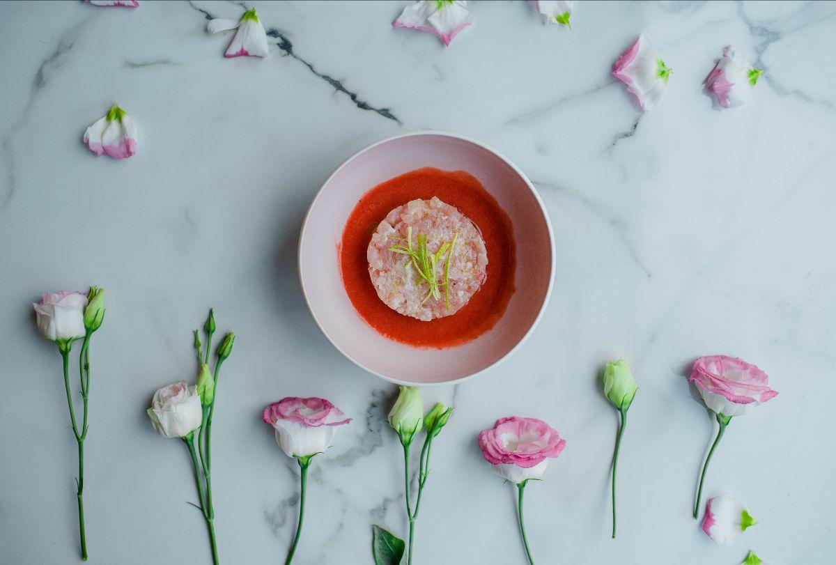 Rose Tartare Bar, il nuovo bistrot in rosa a Trastevere