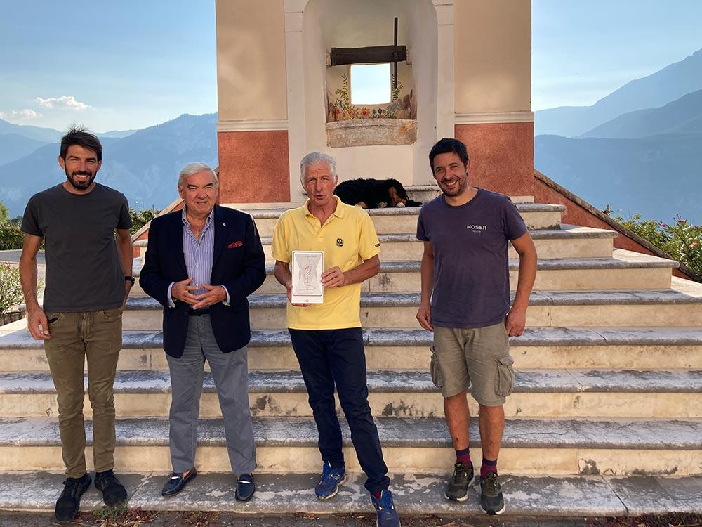 Il Vino per Tutti consegna Clessidra Platino a Francesco Moser