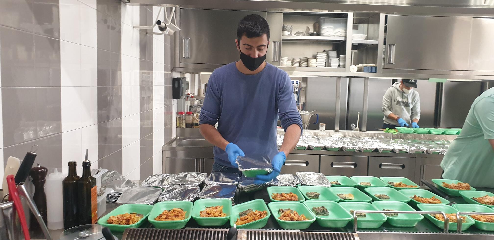Photo of Ngonia Bay: la cucina della solidarietà del ristorante di Milazzo